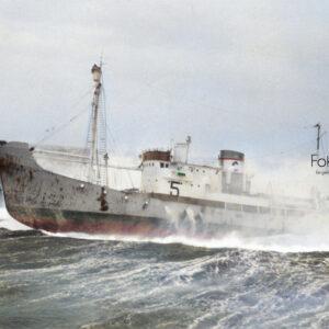 Hvalbåten Thorørn i storm